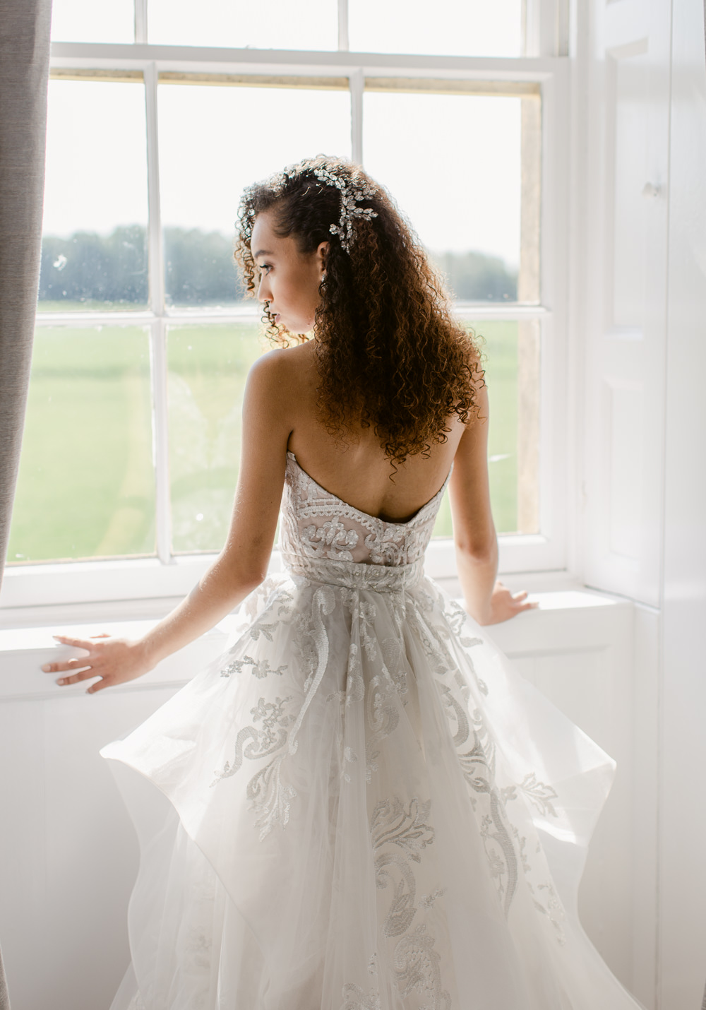 Dress Gown Bride Bridal Bride Bridal Hair Make Up Tulle Layers Sweetheart Strapless Stately Home Wedding Whitney Lloyd Photography