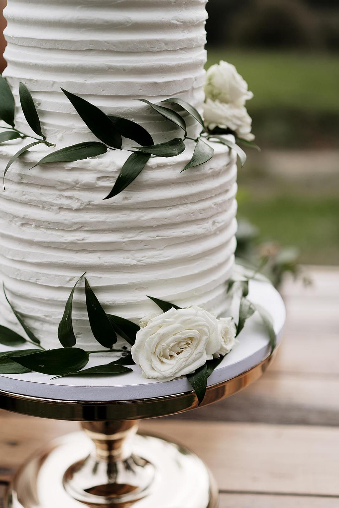 Buttercream Cake Foliage Greenery Mountain Elopement Petite Visuals