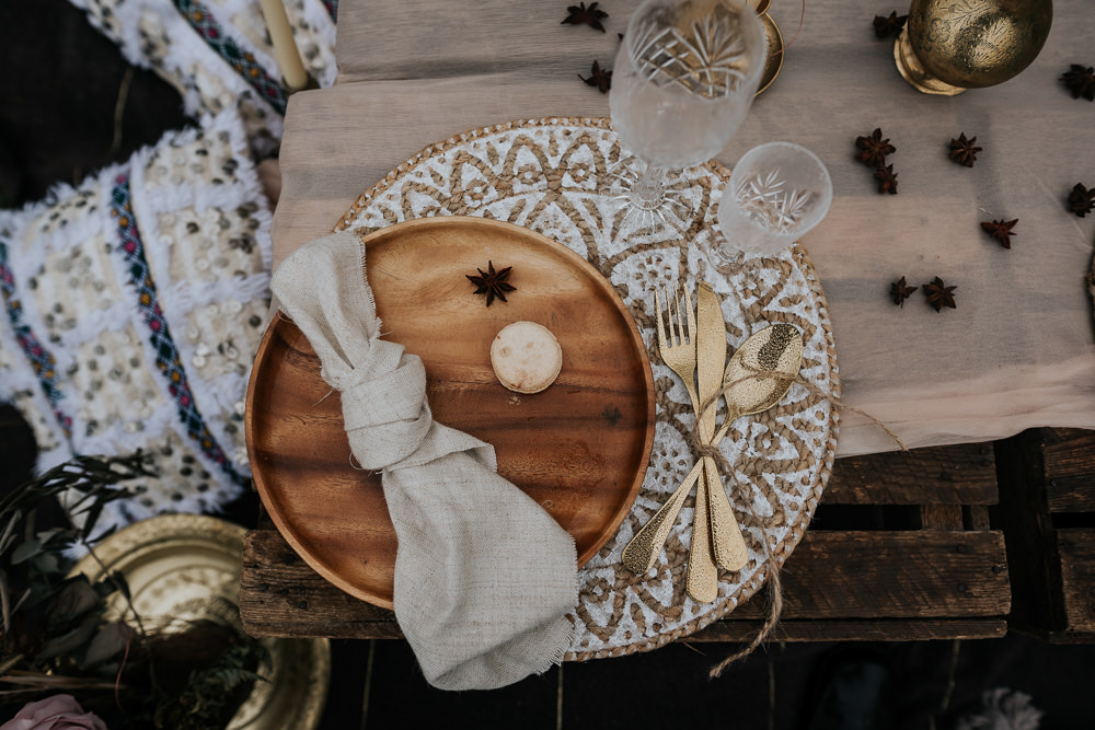 Place Setting Decor Wooden Plate Gold Cutlery UK Boho Elopement Jenny Appleton