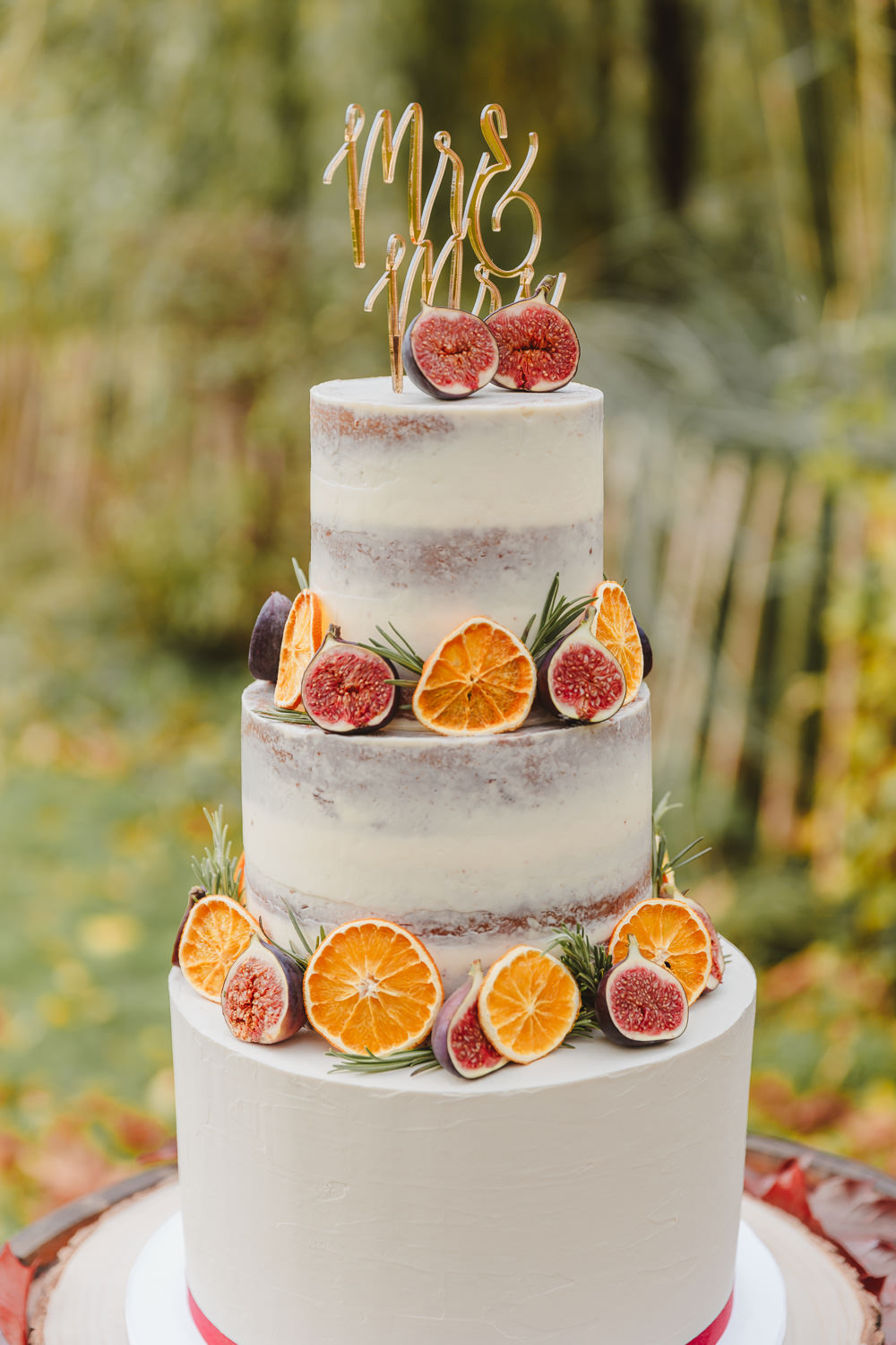 Semi Naked Cake Fruit Topper Autumn Wedding Colours Lori Loves Photography