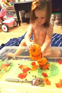 Pumpkin Water Sensory Bin | Fall activities for preschoolers and toddlers