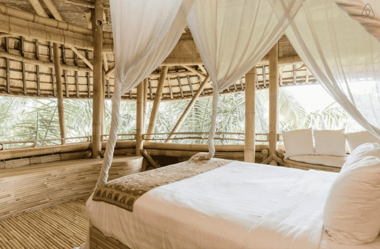 10 Dreamy Airbnb's To Honeymoon in