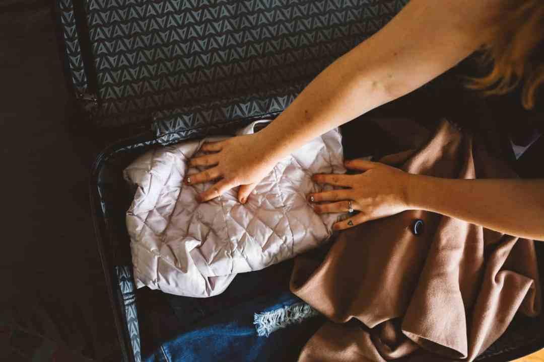 packing suitecase