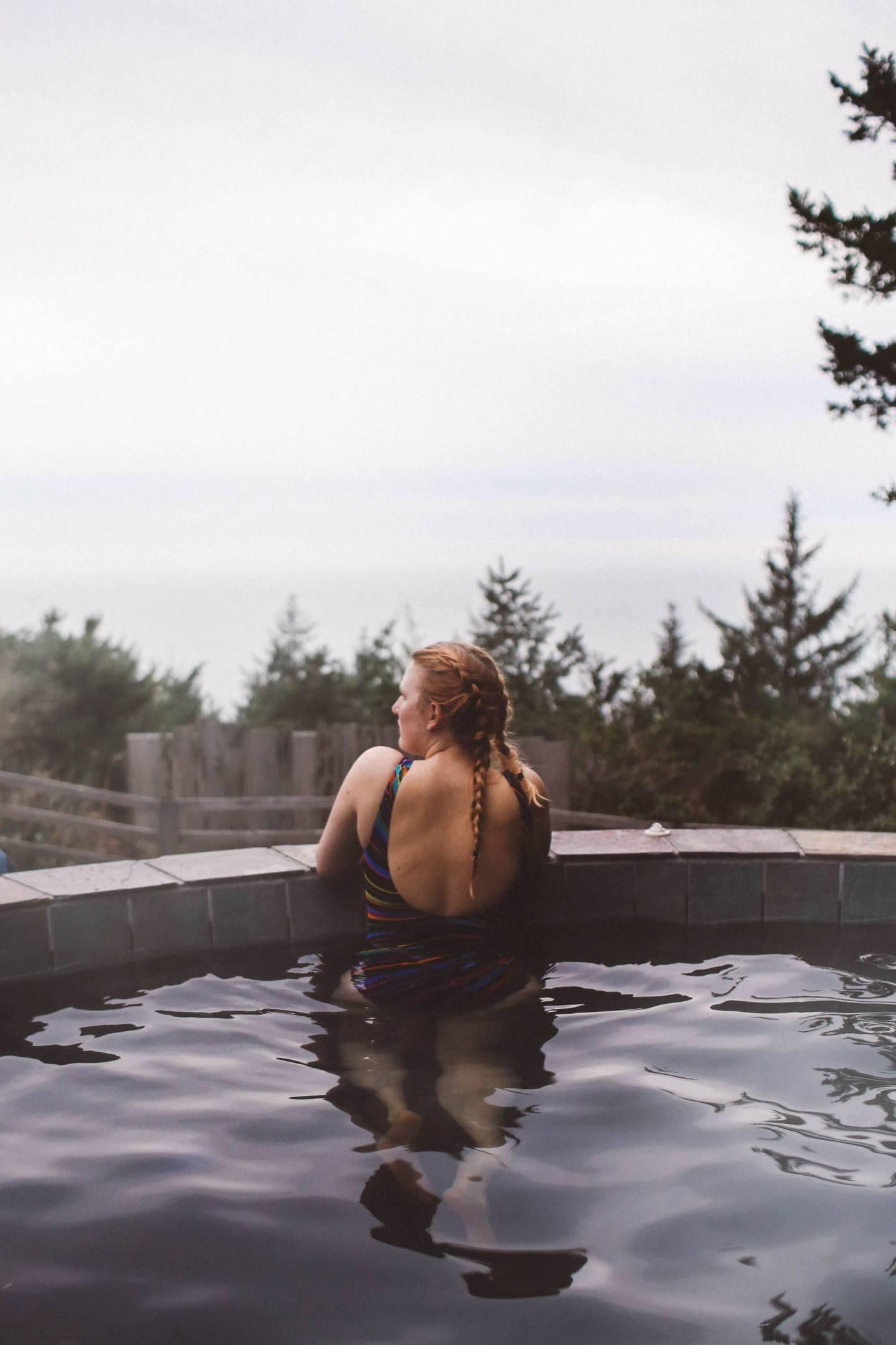 hot tub ocean view oregon woman