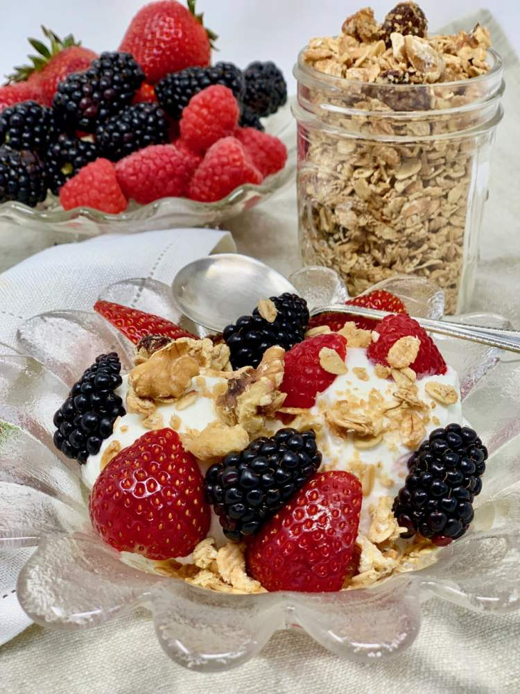 Yogurt:Granola