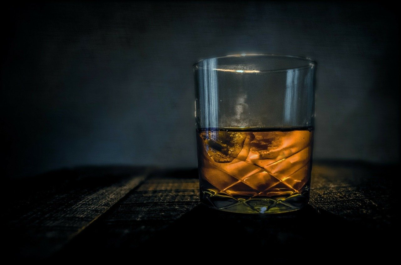 What Is A Whiskey On The Rocks - WhiskeyBon