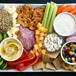 KID FRIENDLY SNACK BOARD