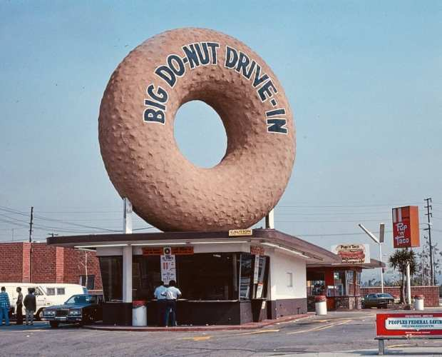 Big Do-Nut Drive in - Whisky And Donuts - WhiskyAndDonuts.com