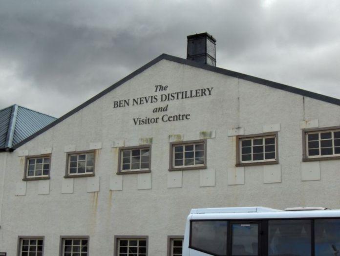 Ben Nevis Destillerie, unbekannter Autor, nutzbar unter Creative Commons Attribution-Share Alike 3.0