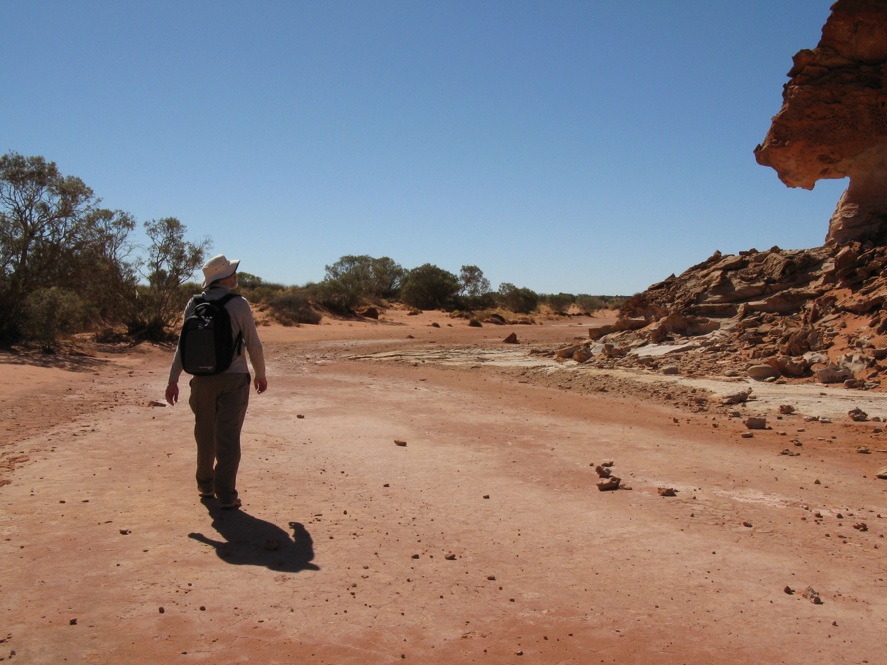 Claypan in Wurre (Rainbow Valley), south of Alice Springs