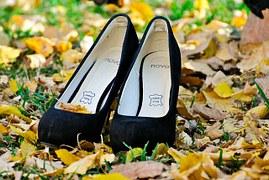 shoes-211424__180
