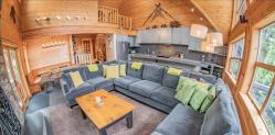 Photo of Pinnacle Ridge 6 bedroom :: Ski in/out, private hot tub