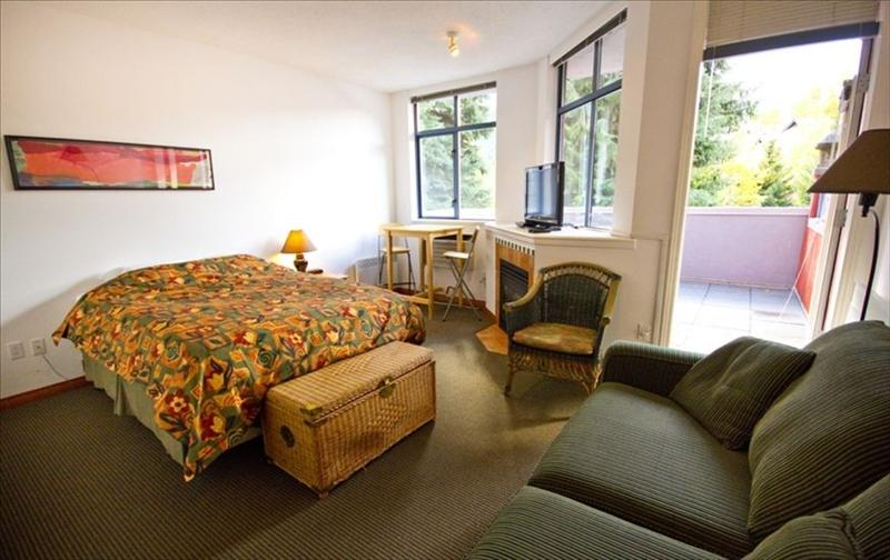 Affordable Studio in Whistler :: kitchen, deck, jetted tub Pictures