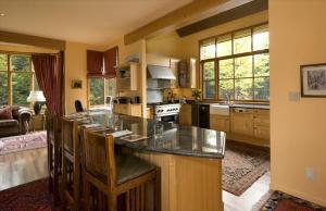 Five Bedroom Whistler Rental Home - The Bears Den Whistler Pictures