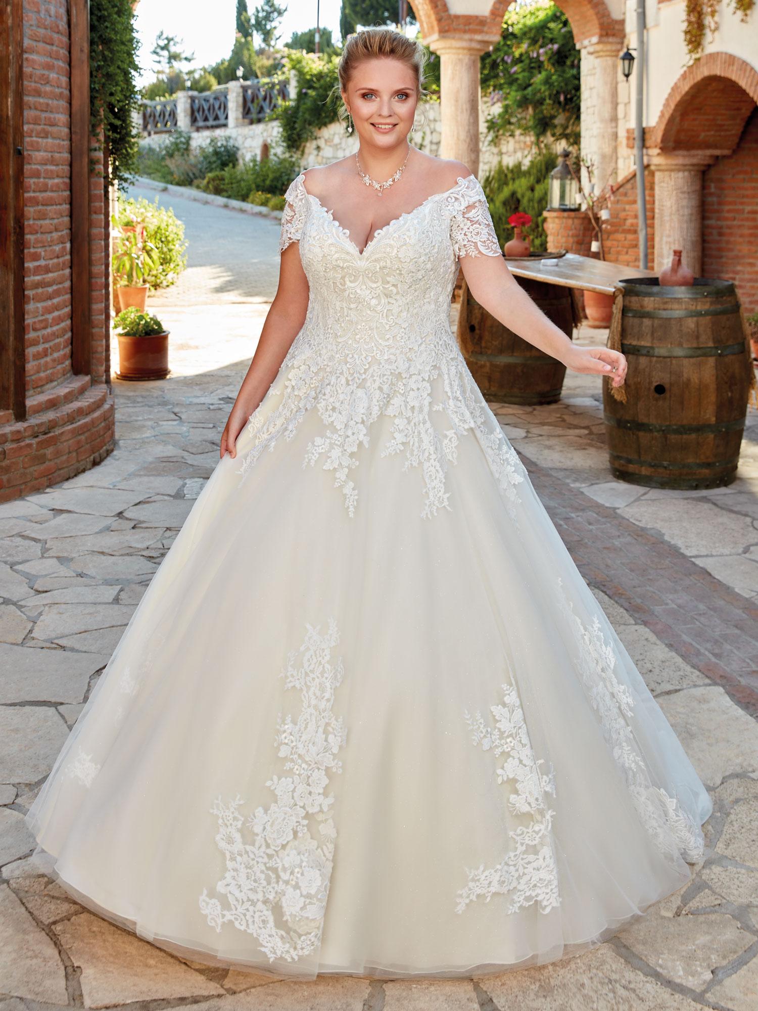 Robe de mariée princesse plus size UR106