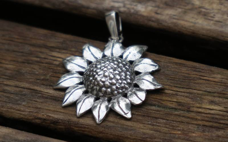 Silver Sunflower Pendant 1