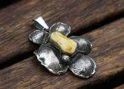 Silver Amber Flower Pendant Necklace 5