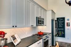 Gallant Court Kitchen Apple Valley (9)
