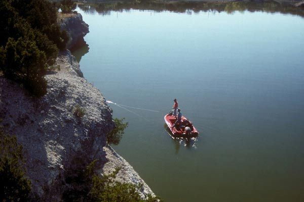 Quiet Coves on Lake Whitney