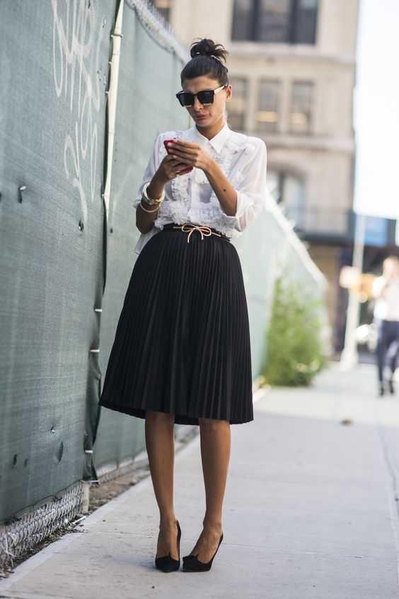 capsule work wardrobe - skirt
