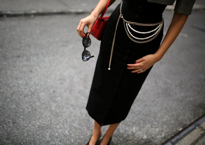 black dress and chain belt
