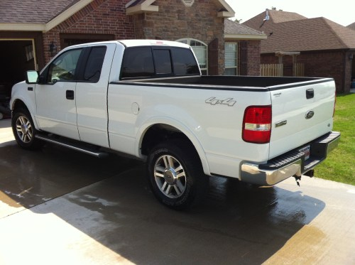 small resolution of i have for sale a beautiful white 05 ford f 150 4 4 lariat pickup truck in excellent condition