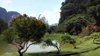 Kek Lok Tong Cave Temple - Zen Garden