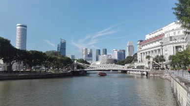 Singapore River, note the difference a bright day makes