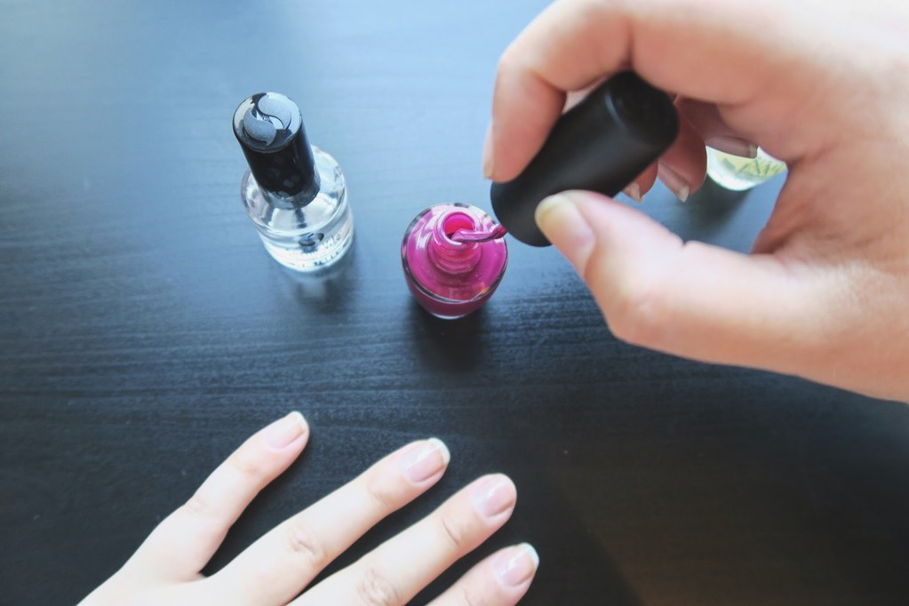 paint your nails at home without causing too much chaos