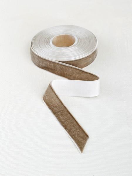 Boutique Theo zinc velvet ribbon