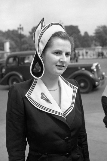 {Margaret Thatcher in 1950, at Buckingham Palace garden party as a Conservative candidate for Dartford}