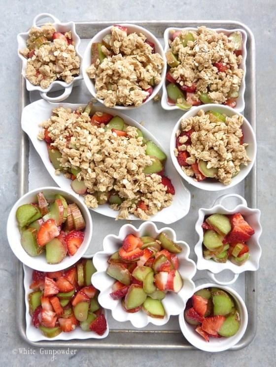 Rhubarb strawberry crisp