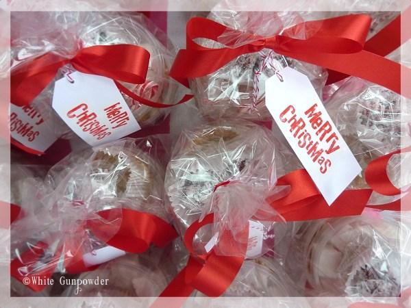 Packaging Christmas treats