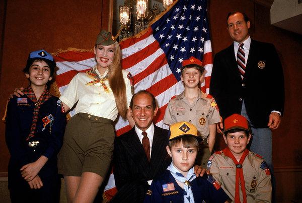 Oscar de la Renta, Boy Scout uniforms