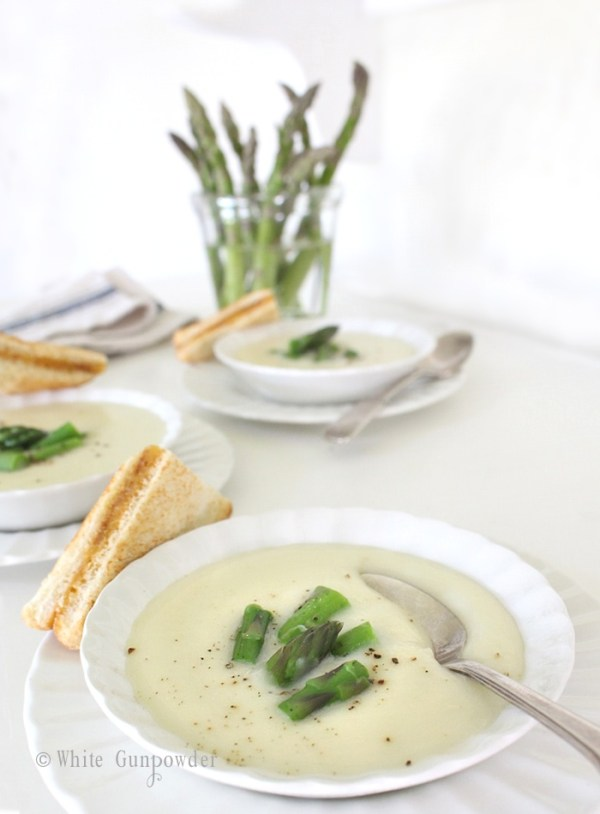 Potato, fennel and leek soup with asparagus