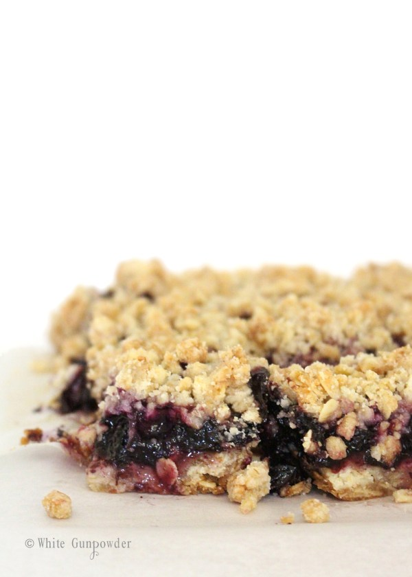 Crumble bars- blueberry jam