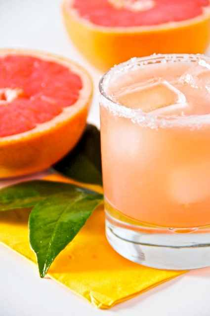 Salty Chihuahua Grapefruit Cocktail Recipe it's like a Margarita with Grapefruit Juice | @whiteonrice