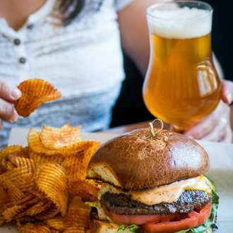 Fairmont Chicago Columbus Tap Burger & Beer | @whiteonrice