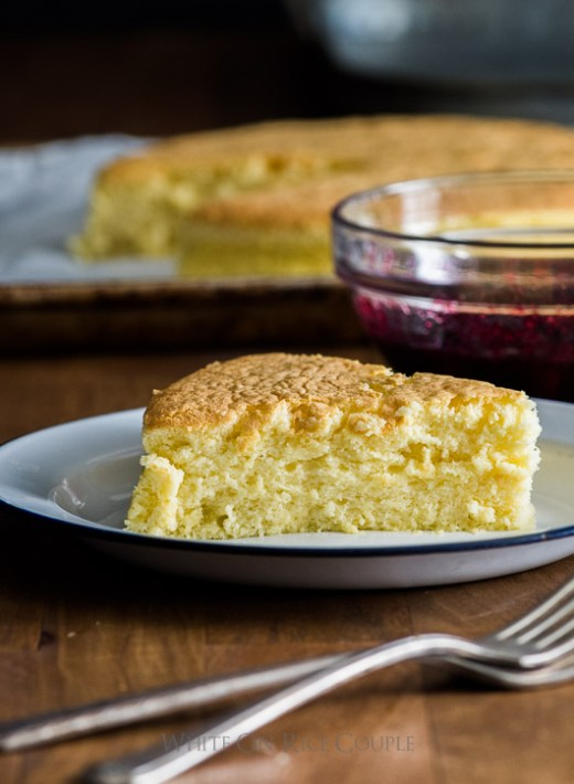 Fluffy and Soft Japanese Cotton Cheesecake Recipe with Berry Compote on @whiteonrice