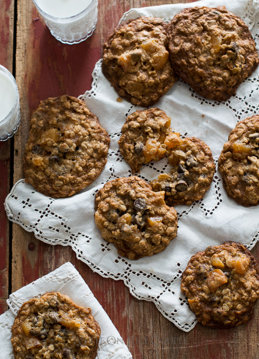 Chocolate Chip Oatmeal Cookies with Dried Apricots on @whiteonrice