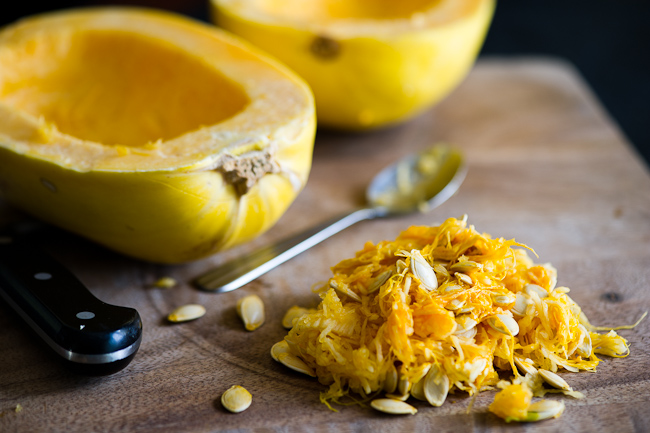 Spaghetti Squash with Sausage Recipe is a low carb and Healthy spaghetti squash recipe | @whiteonrice