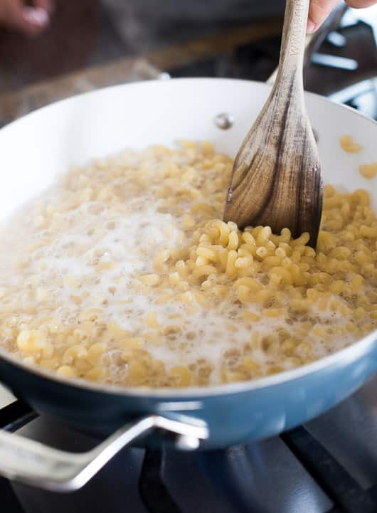 Super easy Stove Top Creamy Mac and Cheese. It's cheesy, creamy and Easy mac and cheese recipe Kids love | @whiteonrice