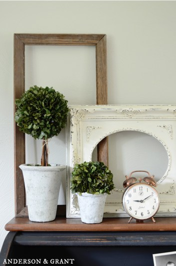 home-decor-picture-frames-empty-thrift-wall-decor