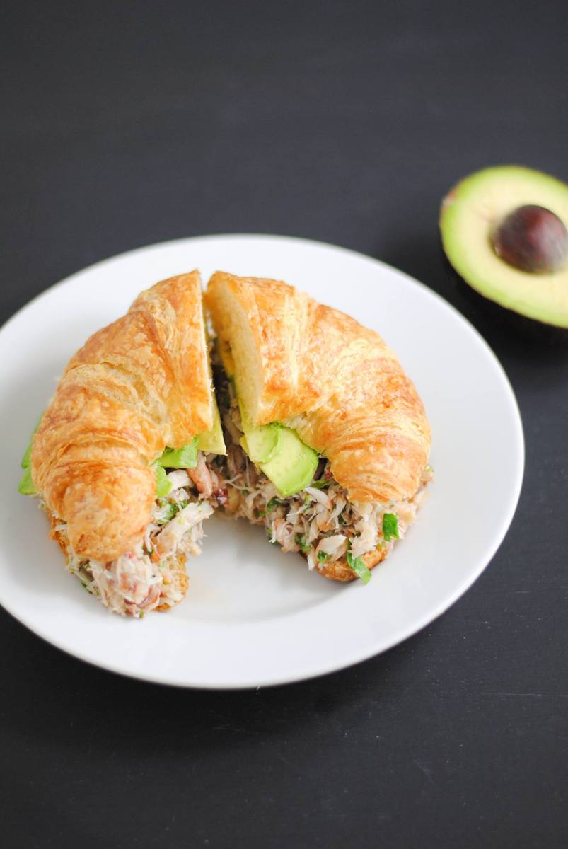 Crab sandwich with avocado