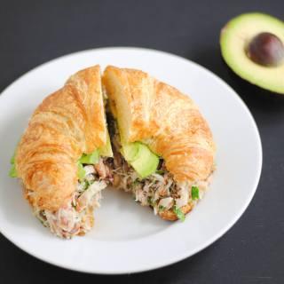 Crab sandwich with avocado