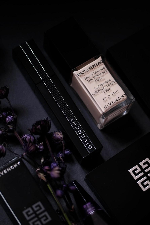 Noir Interdit Givenchy - maskara ze zginaną szczoteczką