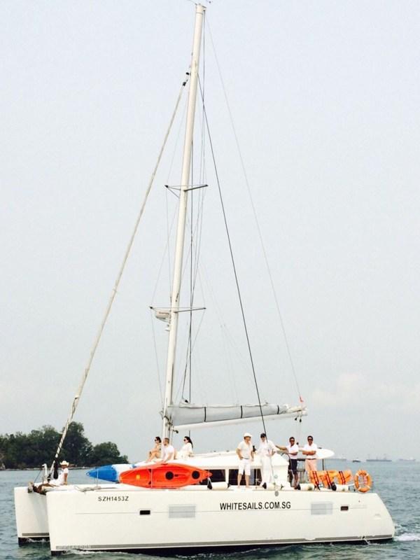 whitesails_boat__0001_Side_Lazarus Lagoon
