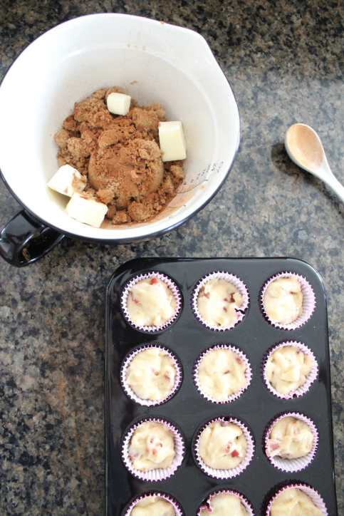 Mini Bacon Maple Muffins with Brown Sugar Crumble