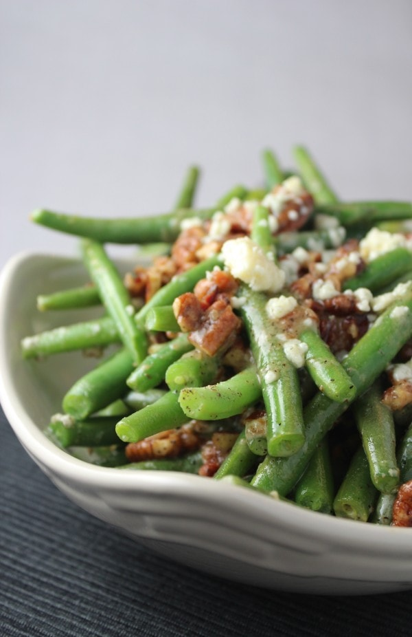 Blue Cheese Pecan Crusted Green Beans