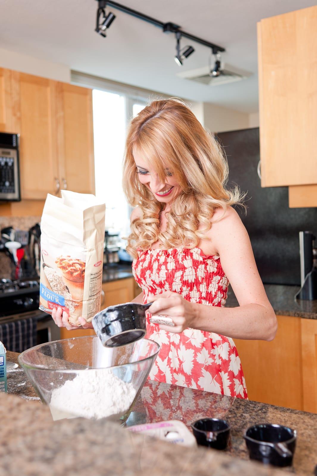 Pretty Girl Baking, Girl Baking In Kitchen, Girls Baking, Photo Shoot,  Whitney